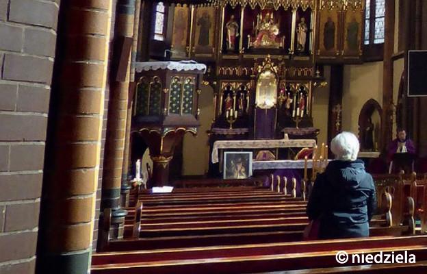 Czy chodzenie do kościoła wymaga dziś odwagi?