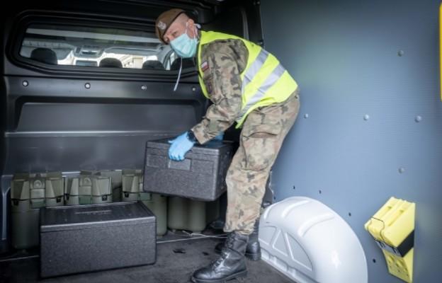 Szef MON: Żołnierze przejdą szkolenie medyczne w celu opieki nad chorymi na COVID-19