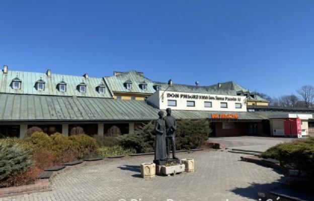 Dom Pielgrzyma na Jasnej Górze bezpłatnie udostępni 110 pokoi częstochowskim służbom medycznym