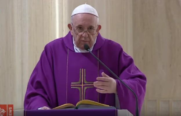 Watykan: papież modlił się za niesprawiedliwie skazanych