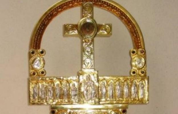 Kraków: błogosławieństwo relikwiami Krzyża Świętego