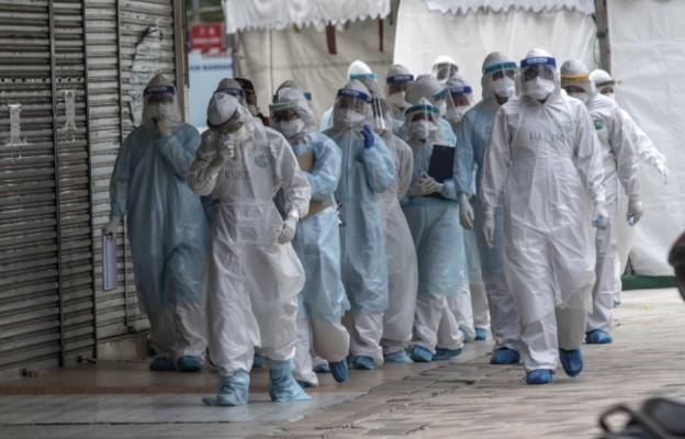 Włochy: nie żyje 94 lekarzy, 26 pielęgniarzy i pielęgniarek