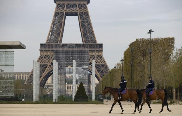 Francja: Ponad 1,4 tys. osób zmarło na Covid-19 w ciągu ostatniej doby