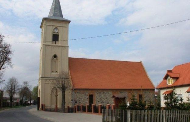 kościół parafialny w Wawrowie