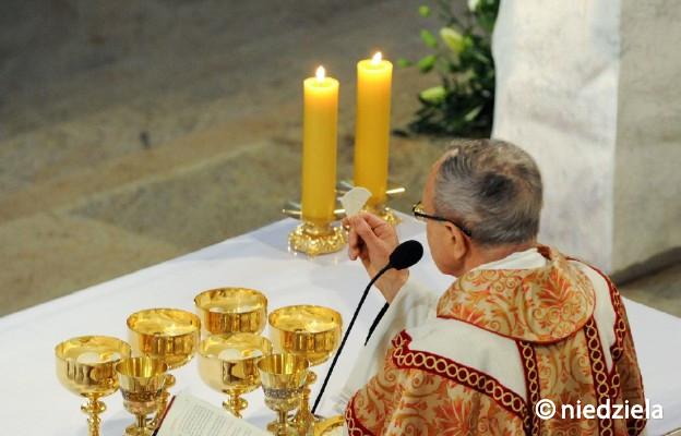 Bóg miłosierdzia obecny w Eucharystii