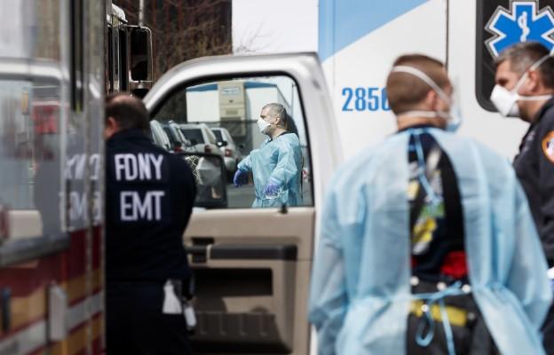 Szef MON: w środę polscy medycy polecą do Chicago