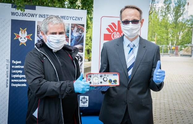 Caritas przekazał szpitalom pierwsze respiratory