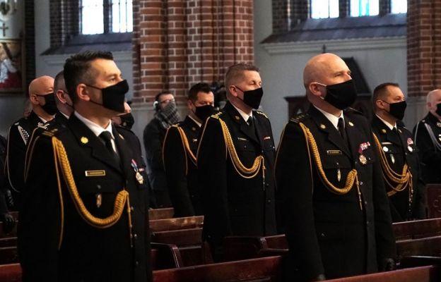 Msza św. w intencji strażaków i ich zdrowia w bazylice katedralnej św. Michała Archanioła i św. Floriana Męczennika w Warszawie