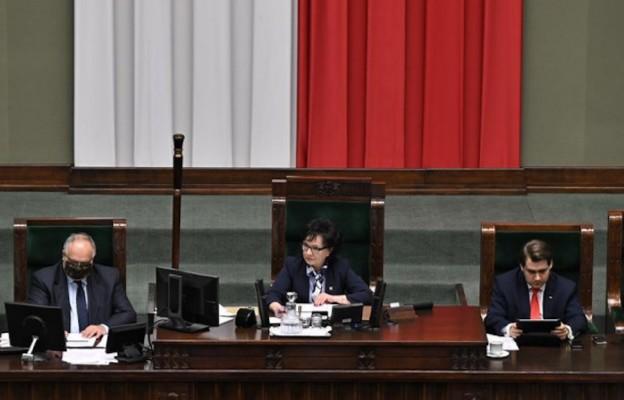 Sejm wznowił posiedzenie; będzie II czytanie projektu o ochronie zwierząt