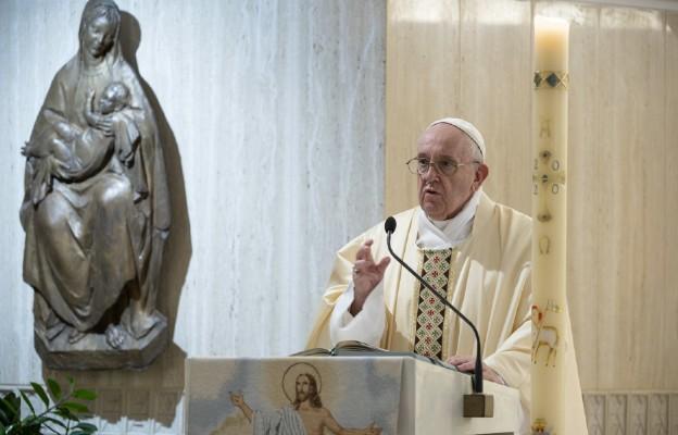 Papież: módlmy się za artystów, oni uczą nas, czym jest piękno