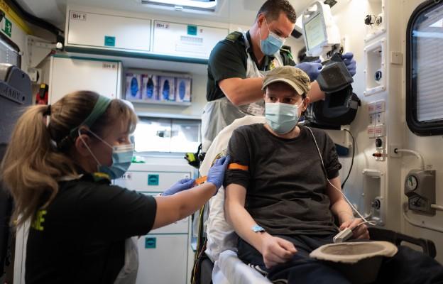 USA: Coraz więcej dowodów, że na dworze trudniej o zakażenie koronawirusem