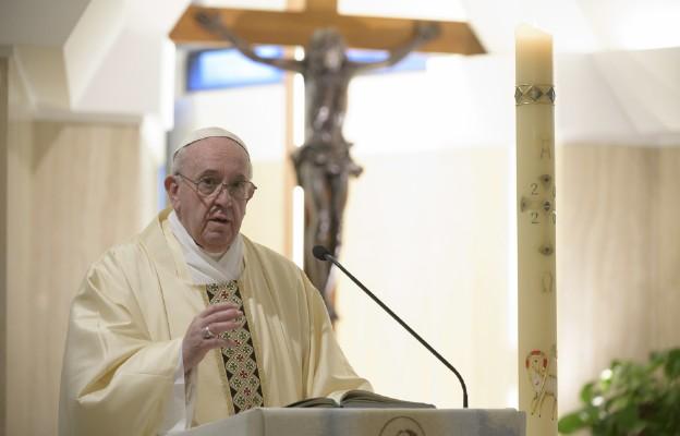 Papież modli się za pracowników Czerwonego Krzyża i Czerwonego Półksiężyca