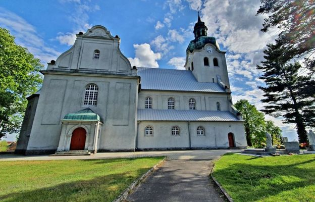 Prace w kościele w Ciosańcu