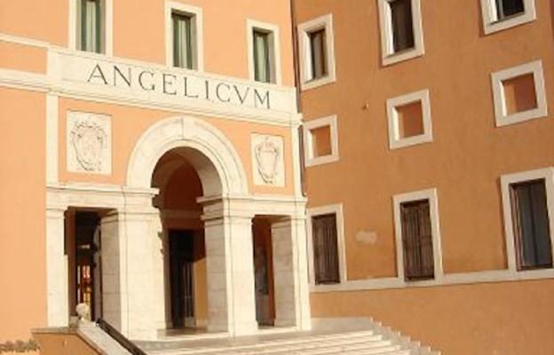 Fasada Papieskiego Uniwersytetu Świętego Tomasza z Akwinu (Angelicum)