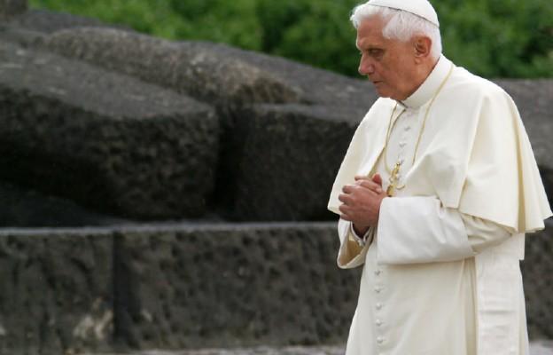 Niemcy: Benedykt XVI nie pojedzie na pogrzeb brata do Ratyzbony