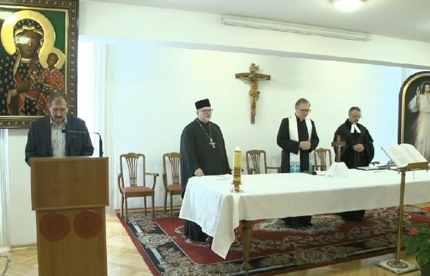 """""""Niedziela"""" odpowiada na apel papieża. Ekumeniczna modlitwa o ustanie pandemii"""