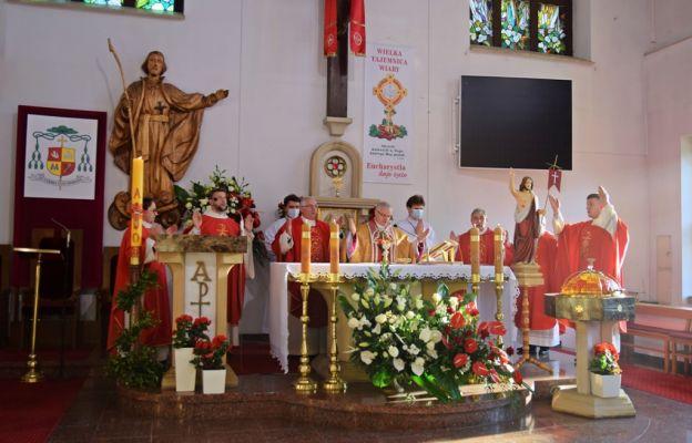 Msza św. odpustowa pod przewodnictwem bp. Marka Mendyka