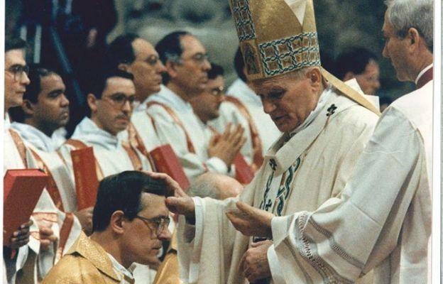 Jan Paweł II konsekrował bp. Edwarda Dajczaka