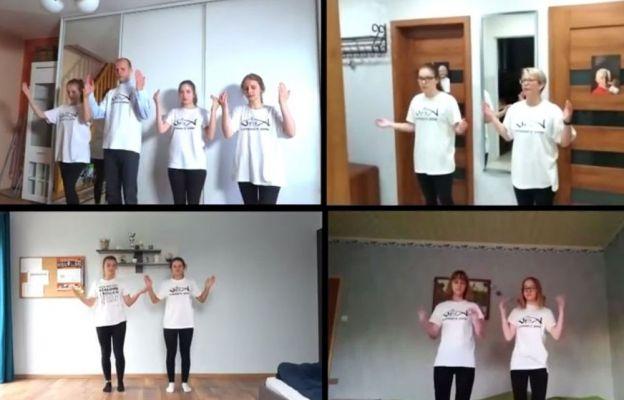 Młodzi ludzie zatańczyli dla św. Jana Pawła II