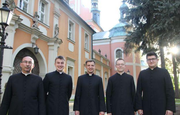 W tym roku święcenia kapłańskie przyjmie pięciu diakonów
