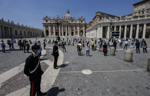 Włochy: badania wykazały zwiększenie się aktywności religijnej oraz modlitwy w czasie pandemii