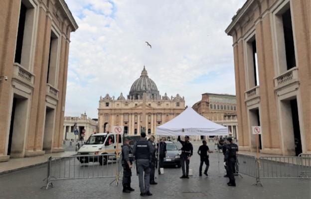 Rzym - pierwsza niedziela z otwartymi kościołami