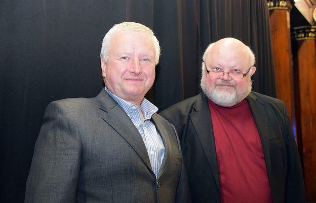 Jerzy Kukla (z prawej) z obecnym organistą bielskiej katedry Tadeuszem Czerniawskim.