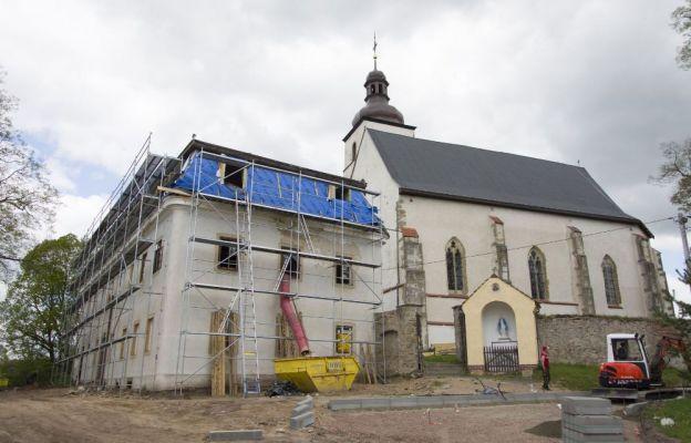 W Krzeszówku powstaje nowoczesny dom pielgrzyma