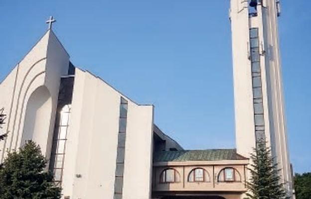 Wracajcie do kościołów