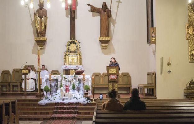 Liturgia była transmitowana z różnych kościołów