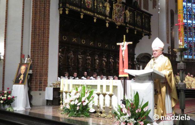 Kard. Nycz odwołał dyspensę od uczestnictwa w niedzielnej Mszy św.
