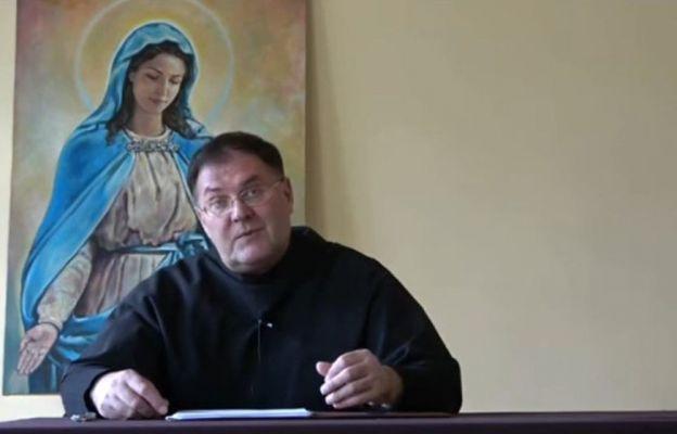 O. prof. Grzegorz Bartosik OFMConv mówił w Harmężach o zawierzeniu Maryi.