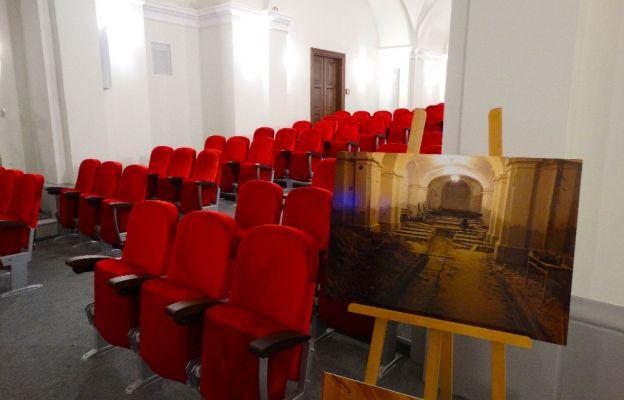 Zamiast magazynu sala teatralna. Odnowiono dolny kościół Wszystkich Świętych
