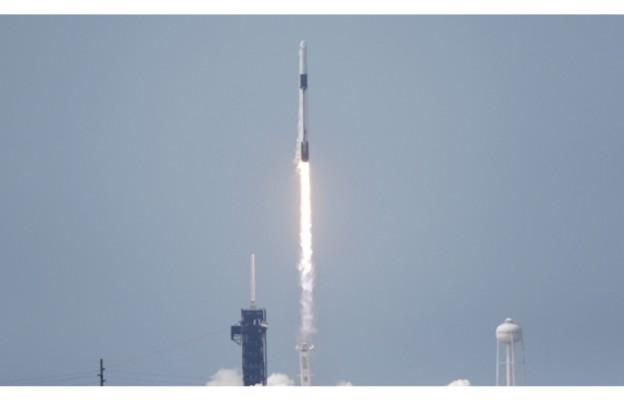 USA/ Rakieta Falcon 9 wynosi na orbitę kapsułę z dwoma amerykańskimi astronautami