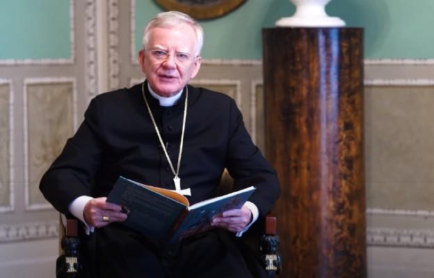 Abp Jędraszewski przeczytał najmłodszym bajkę z okazji Dnia Dziecka