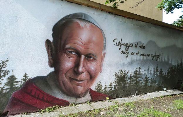 Mural upamiętniający Jana Pawła II