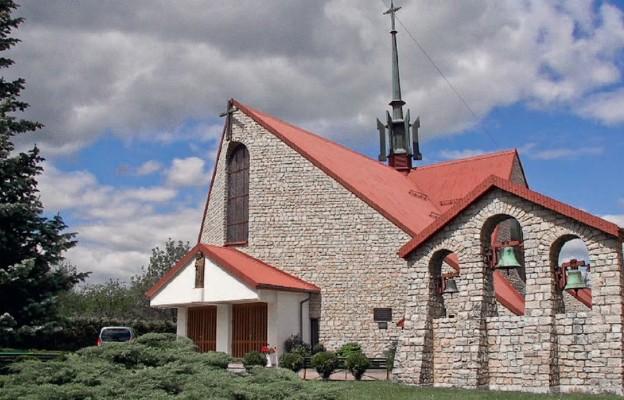 Kościół na barkach parafii