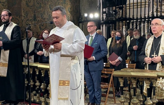 – Dar dla Kościoła trzeba wyprosić na kolanach – apelują do wiernych abp Wacław Depo i przeor Jasnej Góry o. Samuel Pacholski