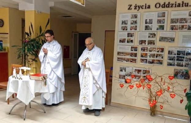 Msza św. w polanickim szpitalu