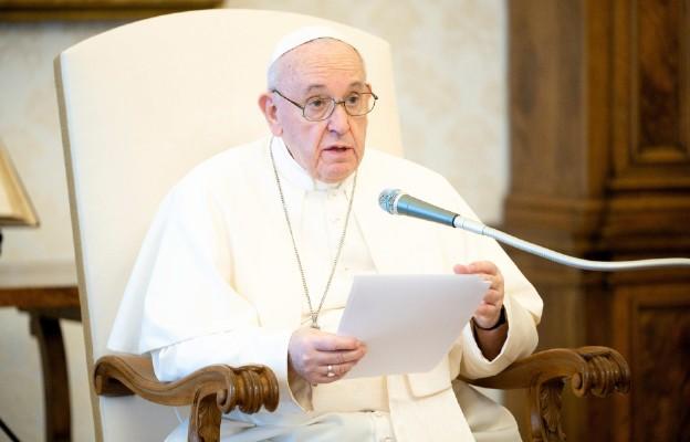 Papież: współczucie lekarstwem na obojętność
