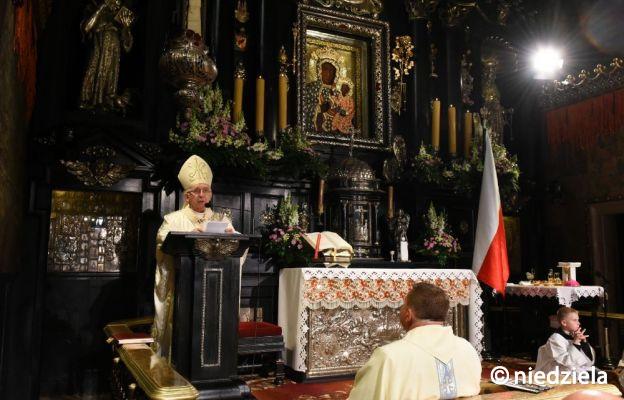Abp Depo: droga zawierzenia Bogu przez Maryję nigdy nas nie zawiodła