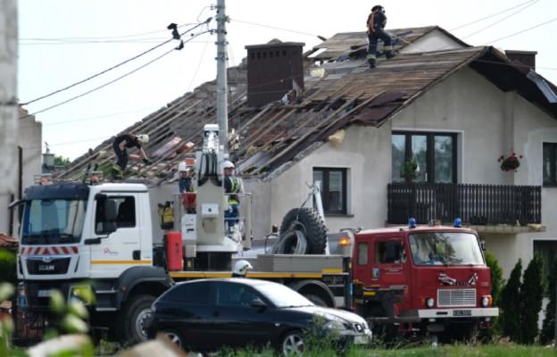 Śląskie: trwa usuwanie szkód po trąbie powietrznej w Kaniowie