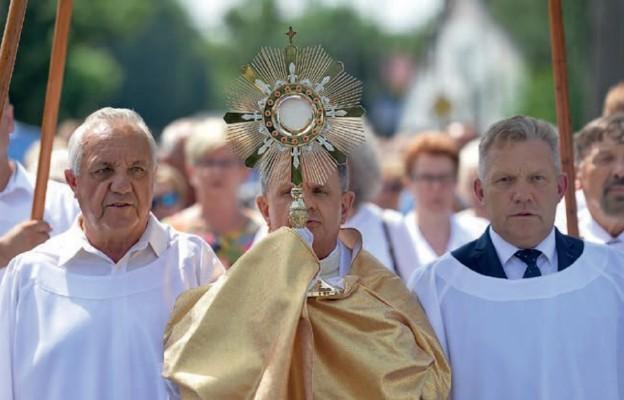 Kościół żyje dzięki Eucharystii