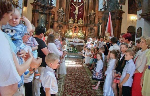 Dzieci w oczekiwaniu na błogosławieństwo, 2015