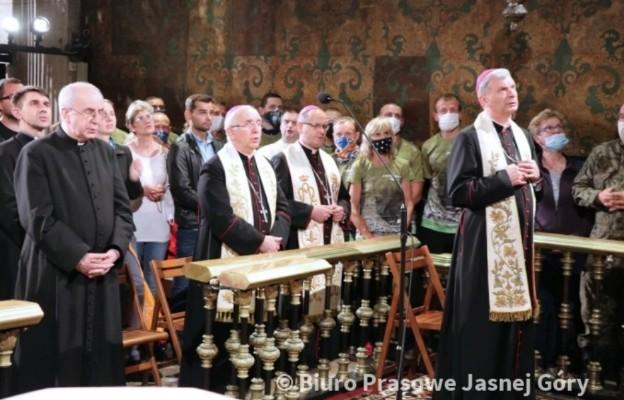 """Bp Bronakowski: Trzeba mówić """"nie"""" wszelkim formom pijaństwa i rozpijania narodu"""