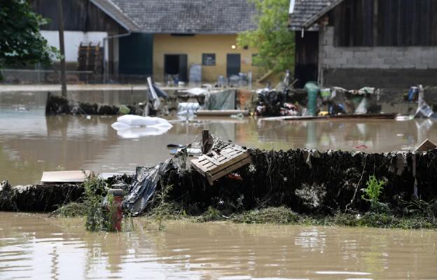 Tarnów: Caritas z pomocą osobom poszkodowanym przez wielką wodę