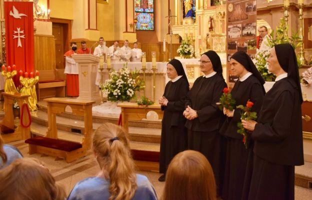 Siostry Kanoniczki świętowały 60-lecie posługi w Międzybrodziu Bialskim.