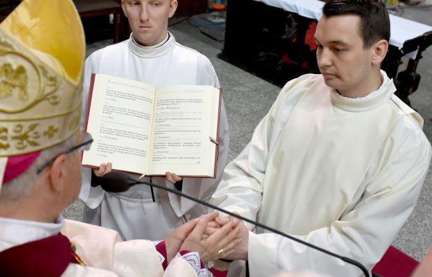 Wojciech Pawlina usłyszał od bp Mendyka słowa: - Niech Bóg, który rozpoczął w tobie dobre dzieło, sam go dokona.