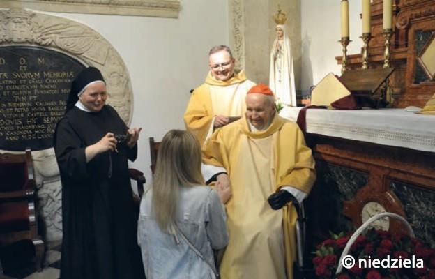 Po Mszy św. był czas na składanie gratulacji i życzeń