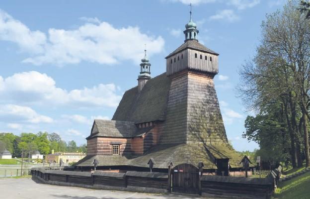 Drewniany kościół w Haczowie Wniebowzięcia Najświętszej Maryi Panny i św. Michała Archanioła przetrwał w ciągu niemal sześciu wieków wszystkie burze i niepokoje